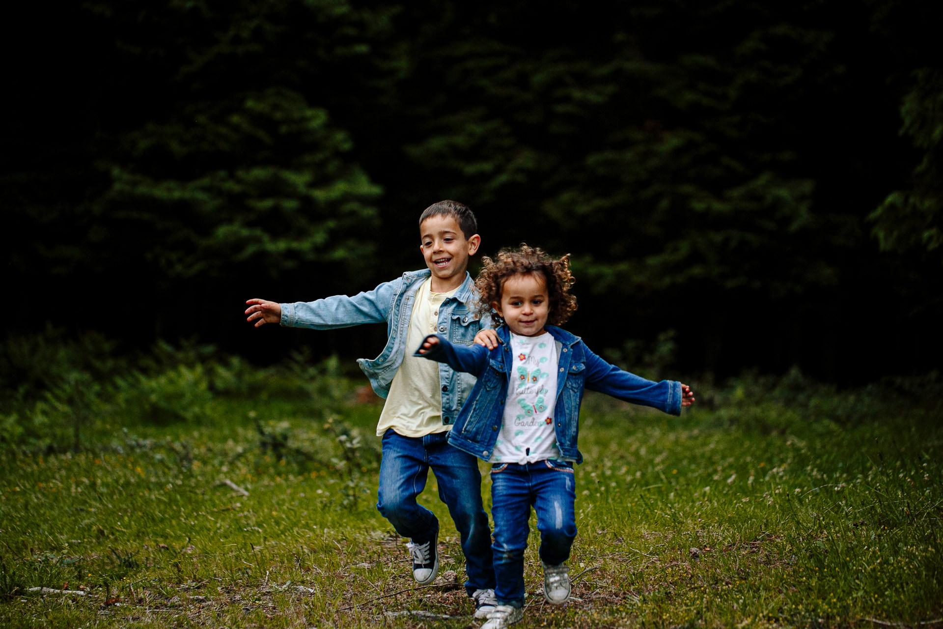 sesion fotos infantil hermanos barcelona